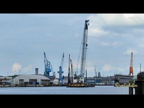 Barge PIONEER XI with floating crane Schwimmkran auf Ponton Emden