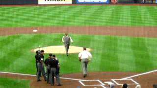 Mets Hall of Fame Day 8/1/10 - Dwight Gooden Throws Ceremonial First Pitch to Gary Carter