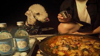 강아지랑 계곡에 캠핑 가서 이열치열 닭고기 나눠 먹기(…
