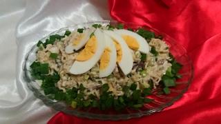 Очень Вкусный салат со Шпротами. Сытный салат на скорую руку