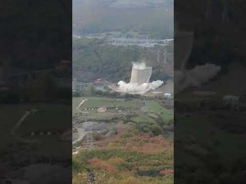 82 kilos de explosivos acaban con el símbolo de Velilla del Río Carrión en Palencia