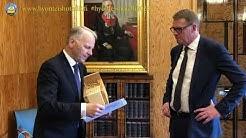 Puhemies Matti Vanhanen pörriäishaaste 20200514