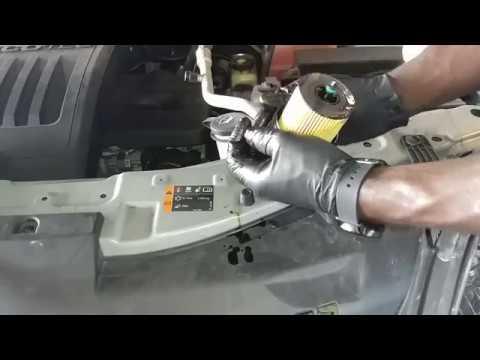 Chevy Captiva oil change - YouTube