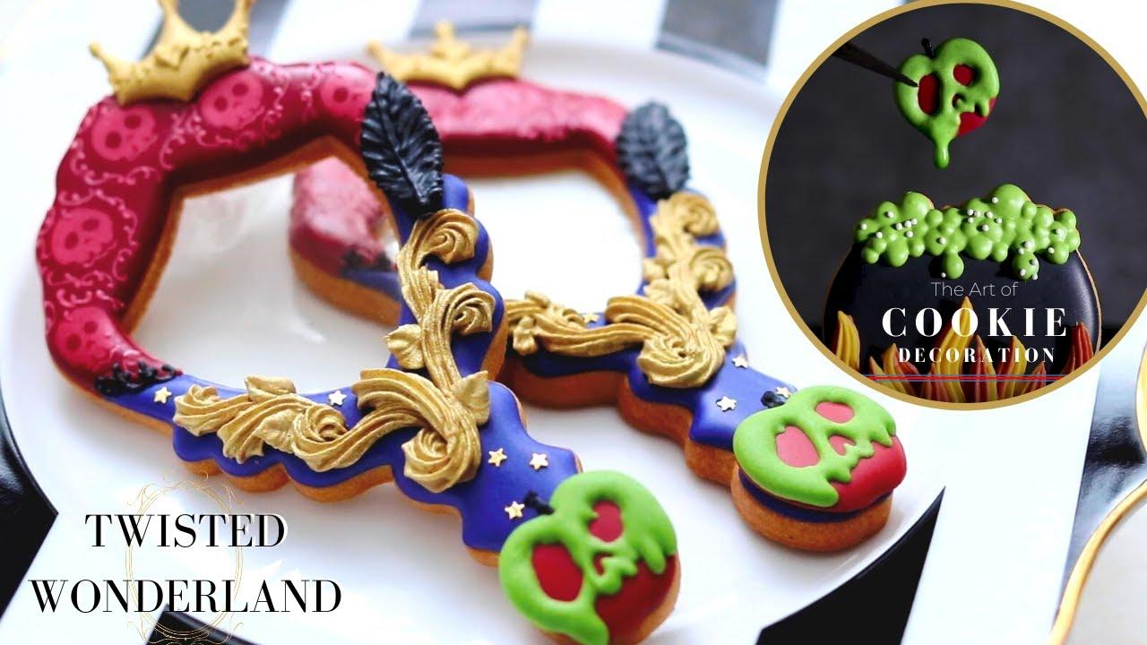 お菓子作家のアイシングクッキー  『ツイステッドワンダーランド♔ポムフィオーレ寮(白雪姫の女王)モチーフ ハンドミラー』| THE EVIL QUEEN INSPIRED COOKIES