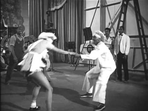Hellzapoppin' Dance scene on Jumping at the Woodside. (Better quality)