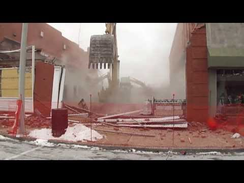 345CL Demolition of Bank in Collinsville, IL by PETROFF