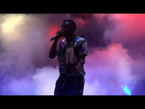 Pappy Kojo and Kojo Cue argue at 'Pen and Paper' Concert