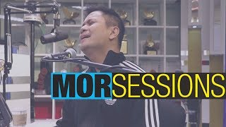 """MOR Sessions: Ogie Alcasid performs """"Ikaw Sana"""""""