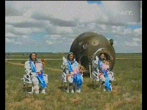 Astronot China Kembali Ke Bumi Dengan Selamat