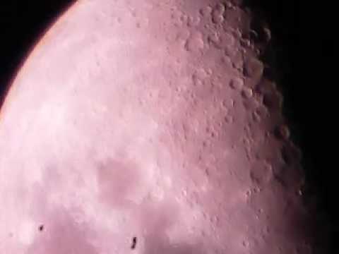Lua através de telescópio SCR