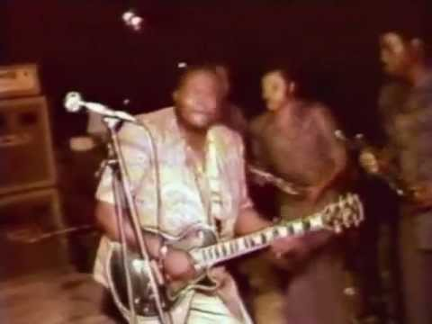 Franco on guitar live in Abidjan, 1980.