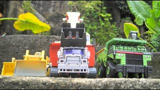 Devastator Devastation! - a Transformers: Revenge of The Fallen Stop Motion Short