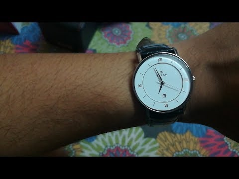 Titan 9162SL04 is the best classic and cheapest watch available