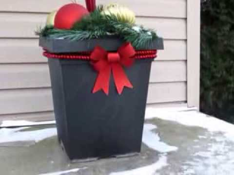 Simple and Inexpensive Outdoor Christmas Decor Idea - YouTube