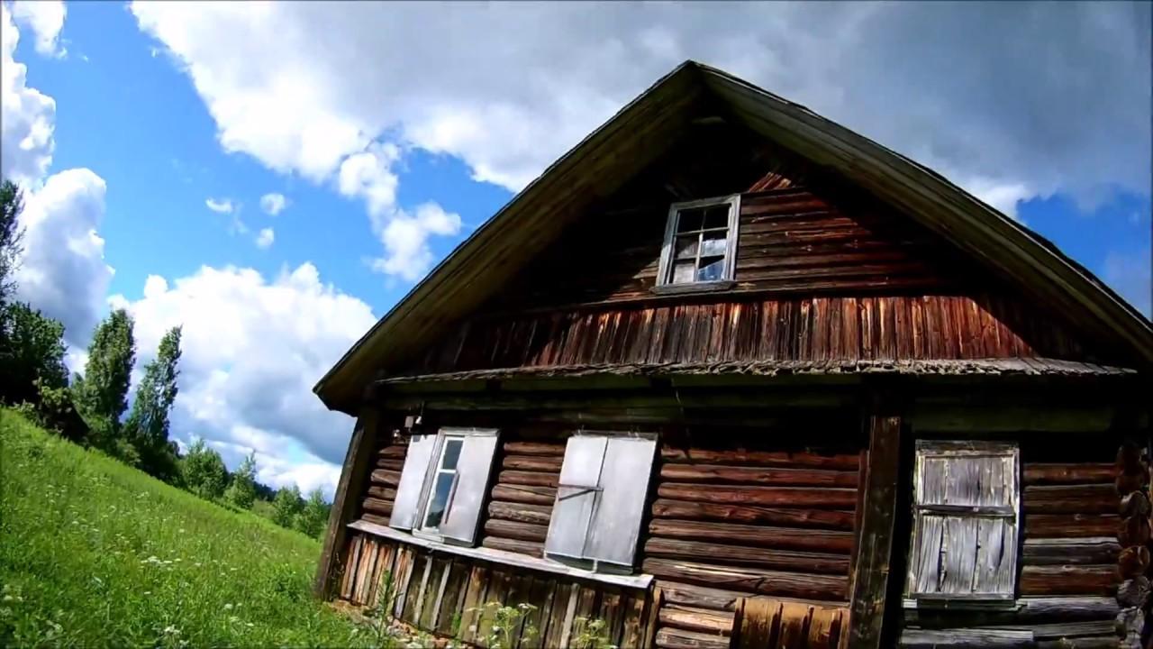 Заброшенная деревня в Псковской  области.