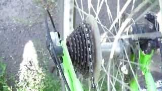 Как работает дешевый переключатель скоростей на велосипеде)(Немного настроил переключатель от дешевого велосипеда азимут, теперь немного работает, если есть вопросы..., 2013-08-07T15:53:08.000Z)