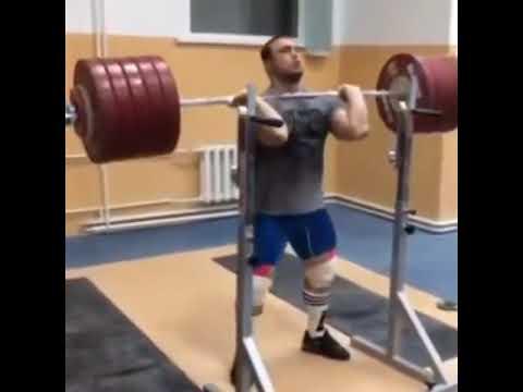 Ilya Ilyin / 290 kg Front Squat