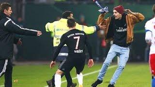 Franck Ribéry agressé par un supporteur sur le terrain lors de Bayern Munich-Hambourg 1-3 29/10/2014