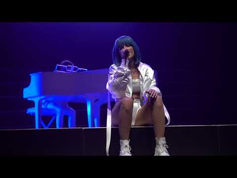 Halsey - Sorry (Live The Forum Los Angeles 2017)