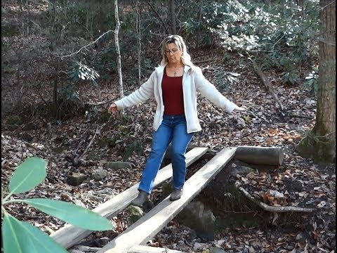 Hiking to Angel Falls in the Big South Fork National Recreational Area