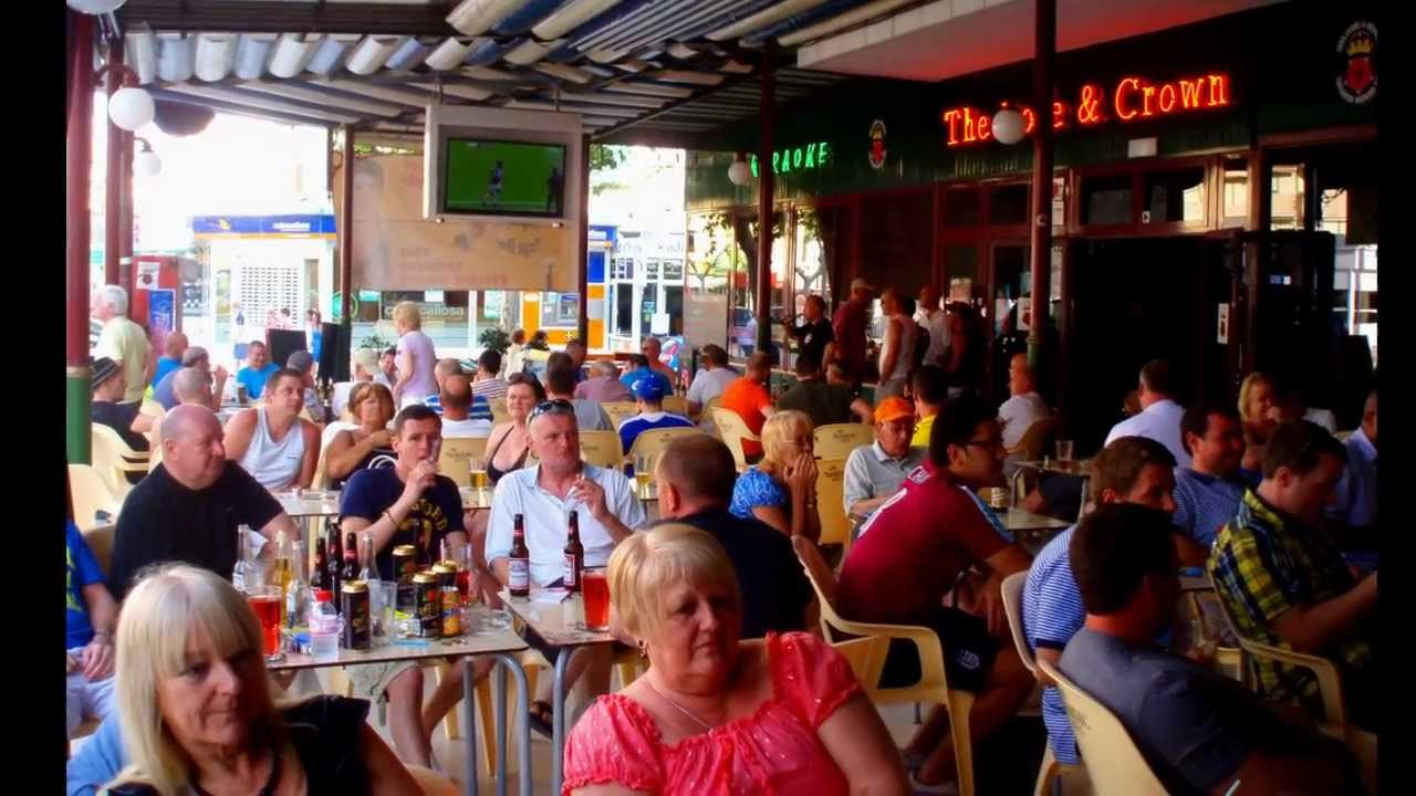 The Rose Amp Crown Karaoke And Sports Bar In Benidorm Youtube