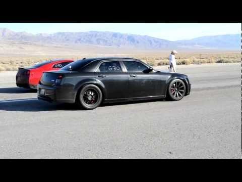600 HP Chrysler 300C VS. Modded GTR w Straight pipes