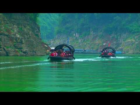 Cruising Three Gorges