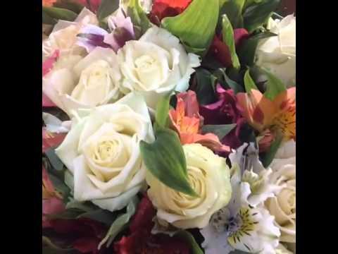 Большие букеты роз - самые красивые! Прекрасная музыкальная открытка из роз!