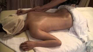 Repeat youtube video 艾柏芳香療法學院 瑞典式背部按摩手法教學片