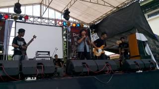 Bunda Berontak (LAWAN) live @Singa Perbangsa Karawang