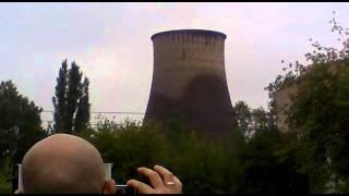 Wyburzanie komina w Lublinie.