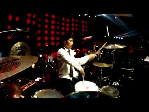 El Rumi Drum Cam - The Lucky Laki Black Dog - Mahakarya Ahmad Dhani 13/06/12 Mp3