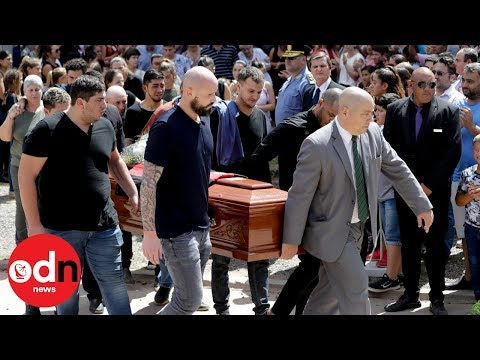 FC Nantes player helps emotional family carry Emiliano Sala's coffin