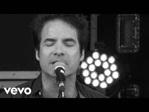Train - Drops of Jupiter (Xperia Access @ V Festival - Lounge)