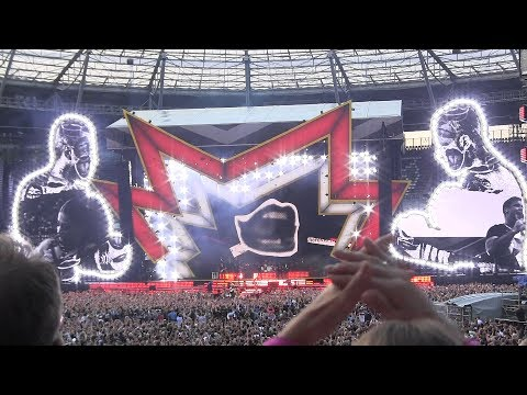 Robbie Williams - Opening of The Heavy Entertainment Show -
