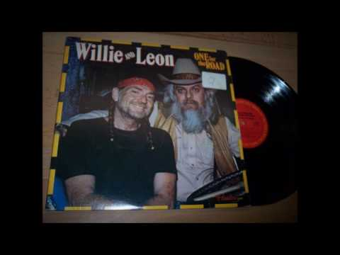 06. Don't Fence Me In - Willie Nelson & Leon Russell - One For The Road (Hank Wilson)