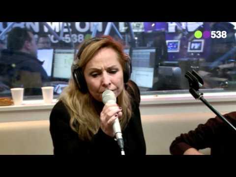 Radio 538: Angela Groothuizen - Ik verdedig (Live bij Evers Staat Op)