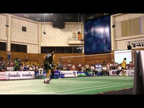 Lee Chong Wei Vs Taufik Hidayat in Japan Tsunami Charity Match