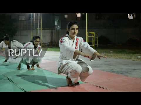 Pakistan: Women take up martial arts in Karachi following spate of knife attacks