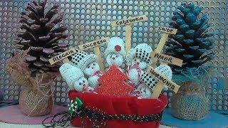 Enfeite de Natal Feito com Luvas e Pote de Margarina