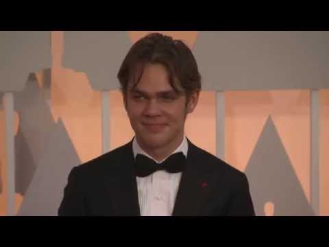 Oscars: Ellar Coltrane Red Carpet Fashion 2015
