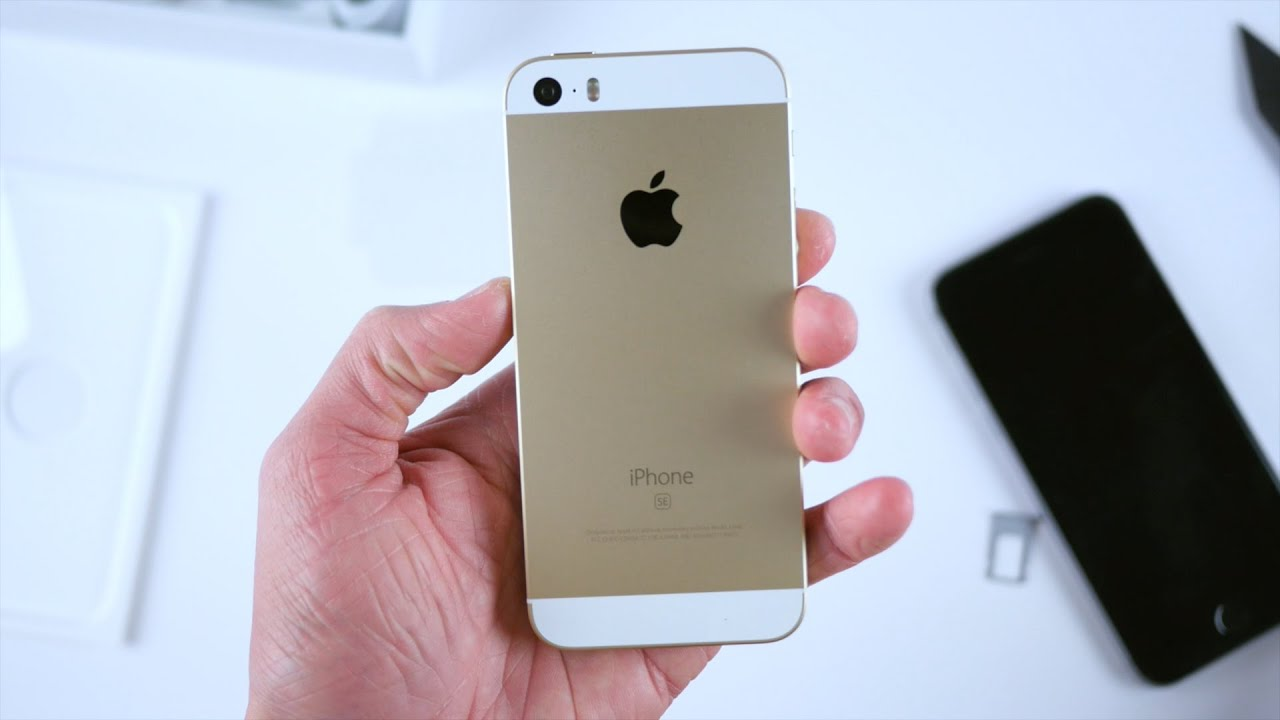 iphone se gold new 4 inch iphone se unboxing gold 2605