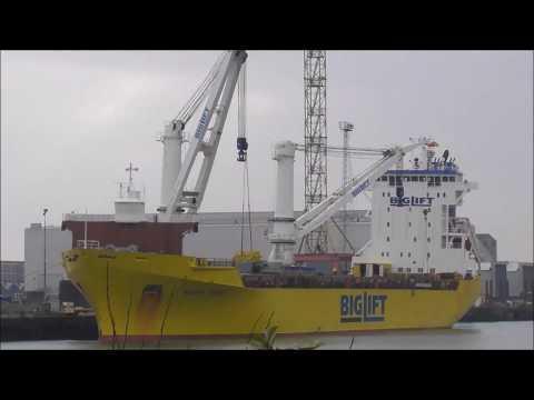 Happy River Big Lift R-Type Ship Belfast Docks