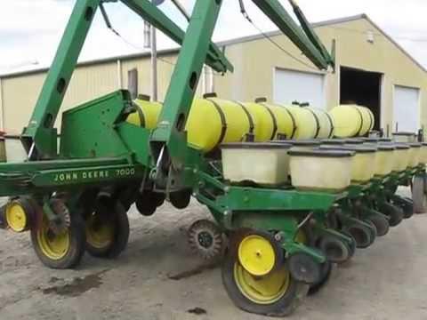 John Deere 7000 Planter Folding Parrott Implement Youtube