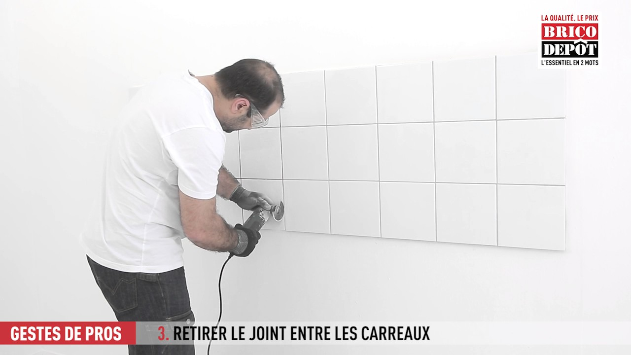 Comment r nover les joints d 39 un carrelage mural youtube for Epaisseur joint carrelage mural