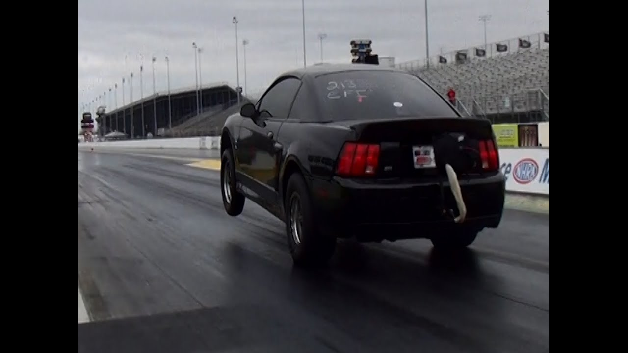 Watch this Mustang Cobra Make an 8-Second Pass Look Easy