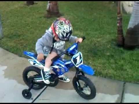 moto yamaha bike. Toddler Riding Yamaha YZ Bicycle Moto Bike