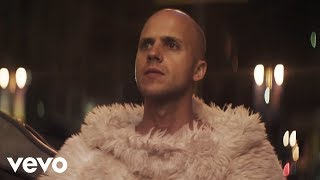 Milow - Howling At The Moon (Official Video)