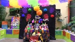 Presenta STAUS su tradicional altar de muertos