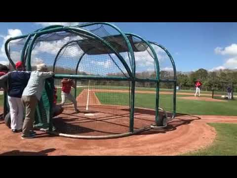 Chris Sale throws his first live batting practice of the spring (video)